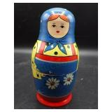 WOW!  vintage 9 piece Russian nesting doll