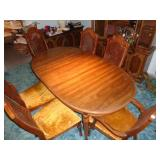 6 Chairs and Dining Room Table Set w/ Table Covers