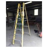 8 ft fiberglass & aluminum ladder
