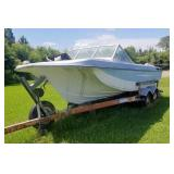 Stearncraft Ski Boat w/Mercruiusier in board (not