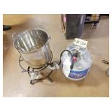 Fish Cooker w/pot & propane bottle