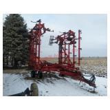 Case IH 4300 Field Cultivator. 45