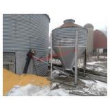 1.5 ton holding bin, ¾ horse motor on auger.Item i