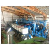 "2005 Kinze 3700, 24 row, 30"", Kinze KPM 2 Stacker"