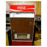working Coca cola machine