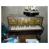 Shoenhut Child Piano