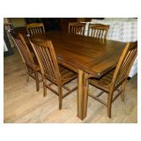 Beautiful Wood Table & 6 Chairs