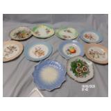 Lot of 10 decorative Plates