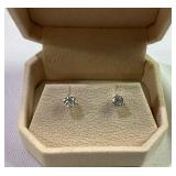1tcw Diamond stud earrings