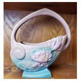 Roseville Water Lily Basket 381-10 | Crack