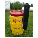 Cooler Lot, 5 Gal. Igloo, 2 Gallon DeWalt
