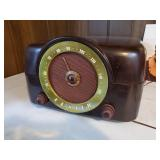 Zenith Radio/Phonograph Bakelite Model 3664
