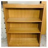 Wood Book Shelf, 2 adjustable Shelves