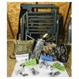 Tree Lounge Tree Stand w/ lots of accessories,