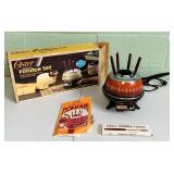 Oster Electric Fondue Set, Looks New