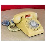 Stromberg Carlson Harvest Gold Vintage phone