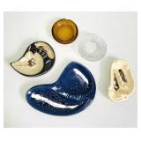 Lot of 5 retro ash trays. Ceramic and glass.