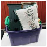 Tote of snowman decor mainly for walls