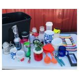 Tote of Kitchen items, Bowls/cups