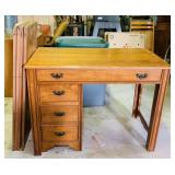 Watertown Slide Desk w/4Leafs