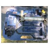 Lincoln Battery Power Grease Gun w/Case Works