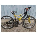 MENS YELLOW CCM MOUNTAIN BIKE