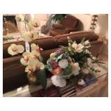 3 Artificial floral arrangements