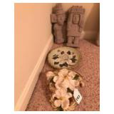 Magnolia plate and shelf and pair of Inca figurines