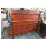 Vintage / Antique Bed With Rails   Very Cool!