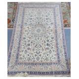 Persian Isfahan carpet, 5 feet x 8