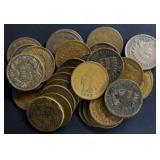 Coins - 32 Indian Head Pennies