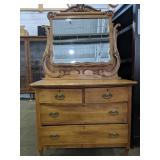 """Absolutely stunning dresser with mirror 42"""" x 22"""""""