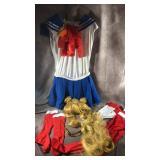 Full sailor moon costume. Size Large