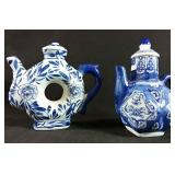 2 Japanese tea pots