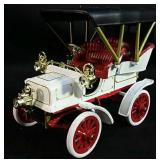 1904 mini Cadillac Model B Die Cast Car