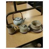Stoneware and tea pot