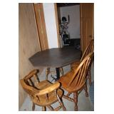 Table w/four chairs