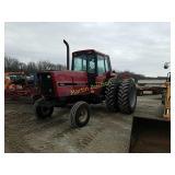 IH 5088 farm tractor *