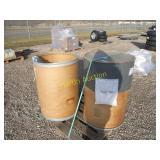 pallet with 2 barrels ++
