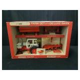 Case Farm Set with Deluxe Barn
