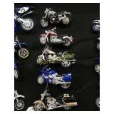 5-Yamaha toy motorcycles 1:18th scale by Maisto.