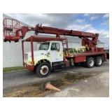 2000 IH DT4900 Crane truck - VUT