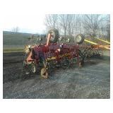 IH 183 hydraulic fold cultivator *