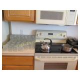 Contents on top of kitchen counters, see all pics