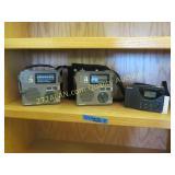 3 Grundig Radios