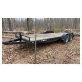 Mac-Lander TA flat bed trailer with ramps. Deck