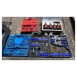 Lot with bits, hole saws, tap and die etc.