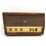 Vintage Magnavox Radio. No power cord.