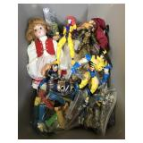 Assorted figures and dolls - 1990