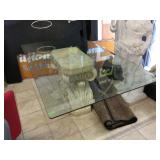Dining table w/Rectangular glass top, composite